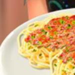 Готовит Спагетти