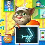 Кот Том сломал лапу