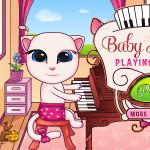 Малышка Анжела: Игра на пианино