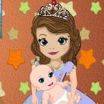 София заботится о ребенке