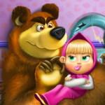 Маша и Медведь моют игрушки