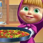 Готовим пиццу с Машей